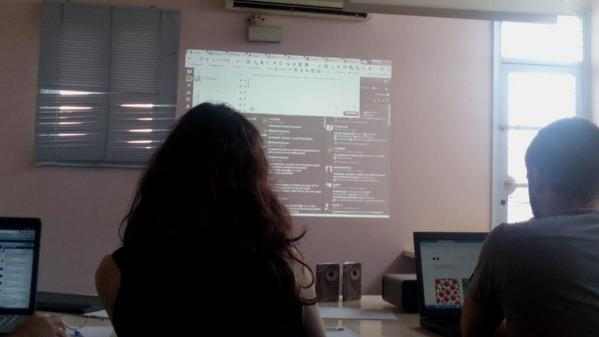 Nosotros también estamos! Aquí y en pantalla ;) @Franciscodr @CoriaWeb #HootupCoria http://t.co/FcaMAPA7A0
