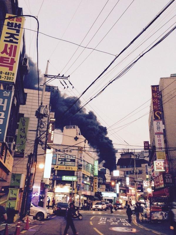 강남역 쪽에 화재 사고... http://t.co/DFJkfkKhno