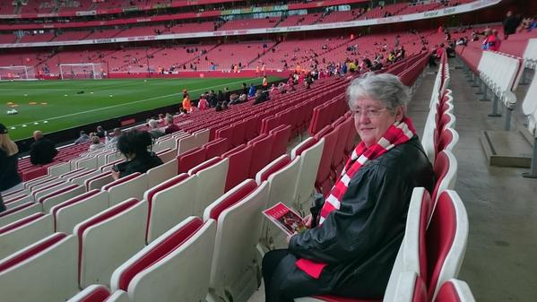 Mum is in early and all ready for her first live game since 1980s remembering Dad #GoonerFamily #AFCvHCFC http://t.co/7edqxMFi8I