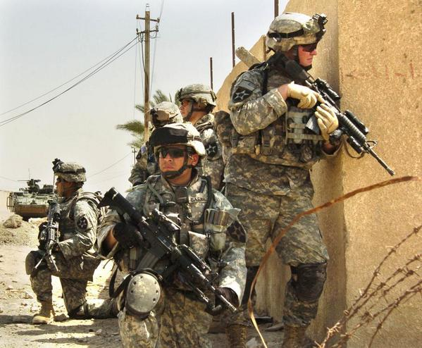 المعركة المتعددة الميادين.....Multi-Domain Battle B0PV55WIIAAl7U_
