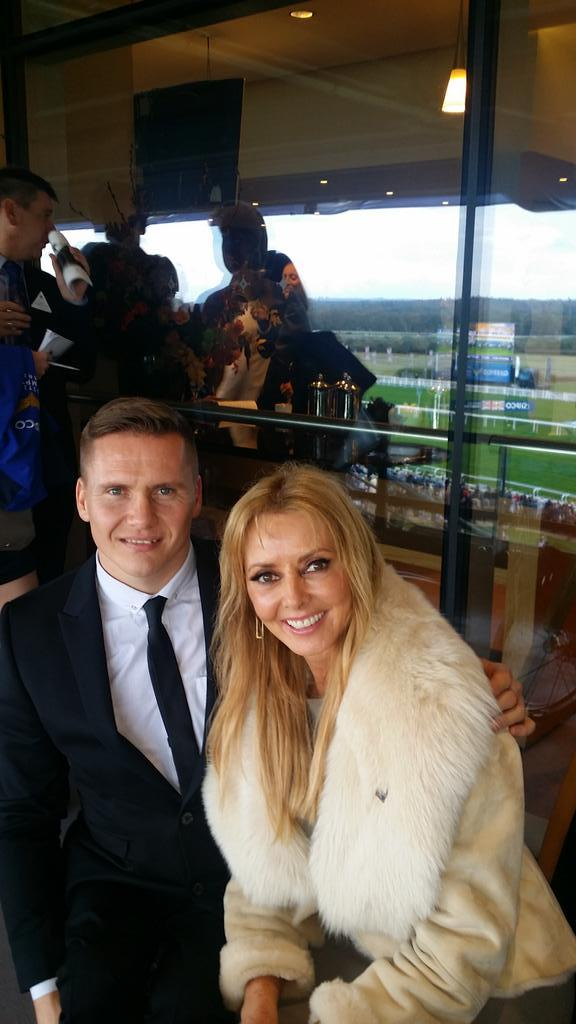 With the one and only @davidweir2012 #ascot x http://t.co/WtcSr5DzbN