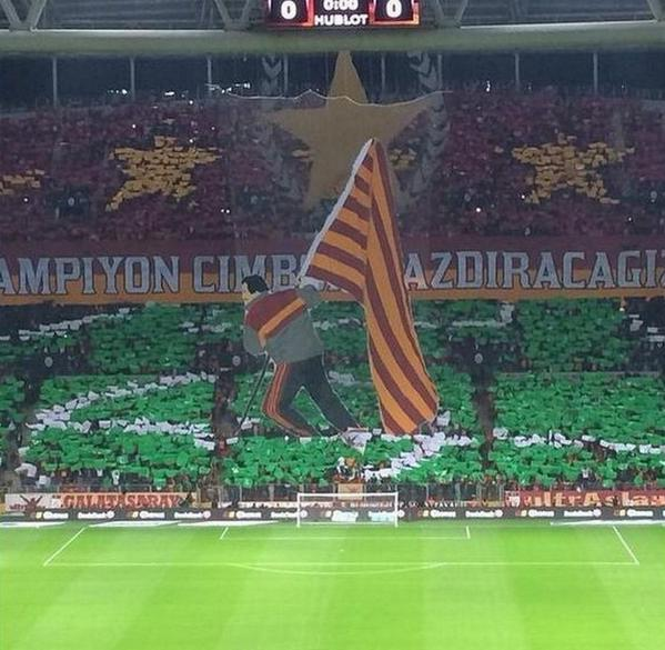 Galatasaray fans produce amazing Graeme Souness tifo before Fenerbahce clash http://t.co/HoCpThoTCE http://t.co/Rc83mwB28Z