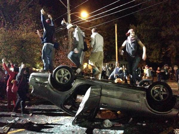 Will these young thugs get killed by police? Be demonized by conservatives? Vilified by media? http://t.co/lorJuKVCnZ http://t.co/PixCssgUyD