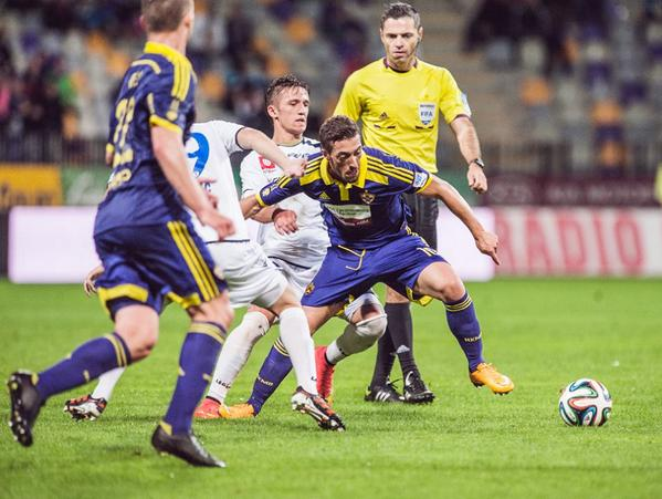 Ibraimi looks to maintain possession