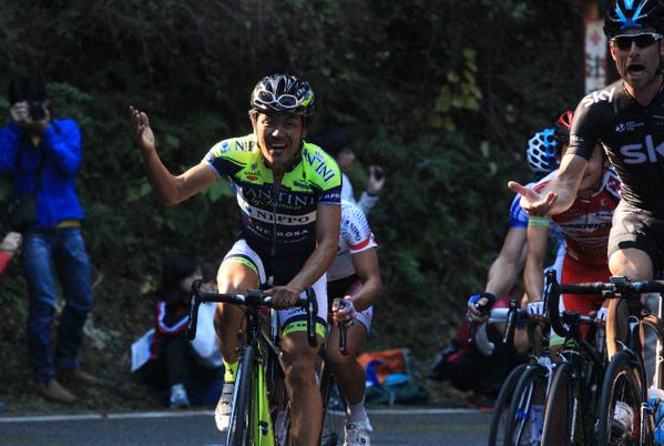 最終周回、笑顔で登ってきた宮澤選手 @Bravotakashi を見た瞬間、ファインダー越しにじわっと涙が お疲れさまでした!! http://t.co/LrAfgFyVv8
