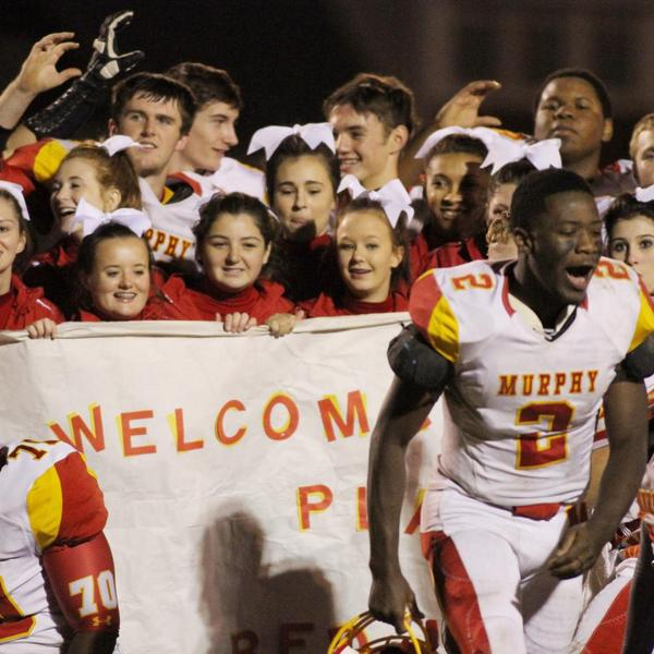 2014-15 MHS Red Devils Football Team makes the IHSA Playoffs for first time since 1996!<br>http://pic.twitter.com/ofYcre1DMP