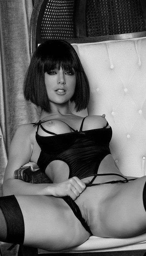 Faye Reagan sexo anal