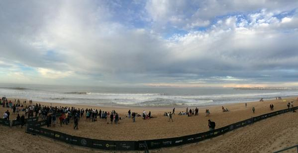 Waves are pumping! Beautiful morning down here in Peniche. Tune in #MocheRipCurlPro @ASP #itsON http://t.co/xmyQ3Q4LBu