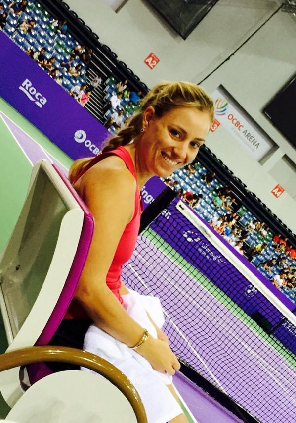 Angelique Kerber  - Practice don twitter @AngeliqueKerber wtafinals,alternate,teamangie