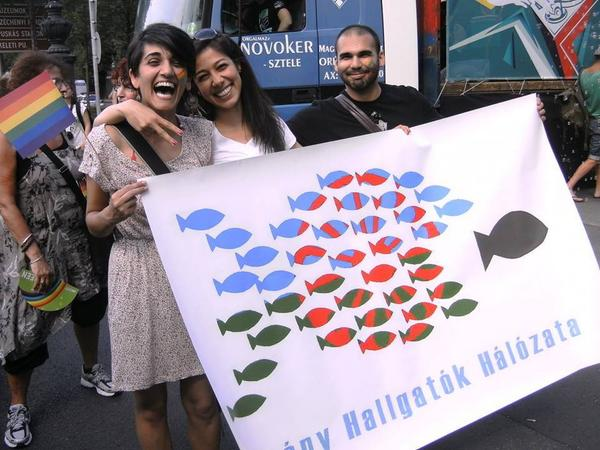 Happy #romapride! We're marching today for Roma emancipation, human dignity and equal rights! @romarights<br>http://pic.twitter.com/8PCDMj7Gms