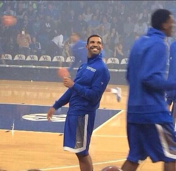 basketball on twitter when you re on the jv but coach let s you