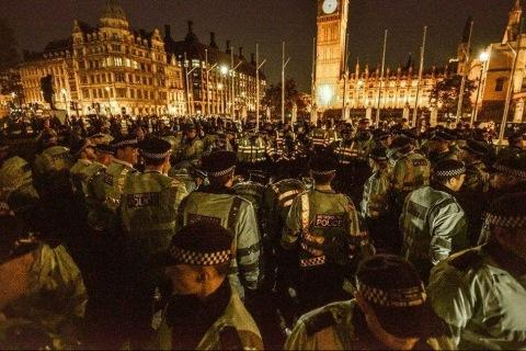 #occupydemocracy imagine this scene outside any parliament in the world and state media never reported it http://t.co/C5eXiYv0vj