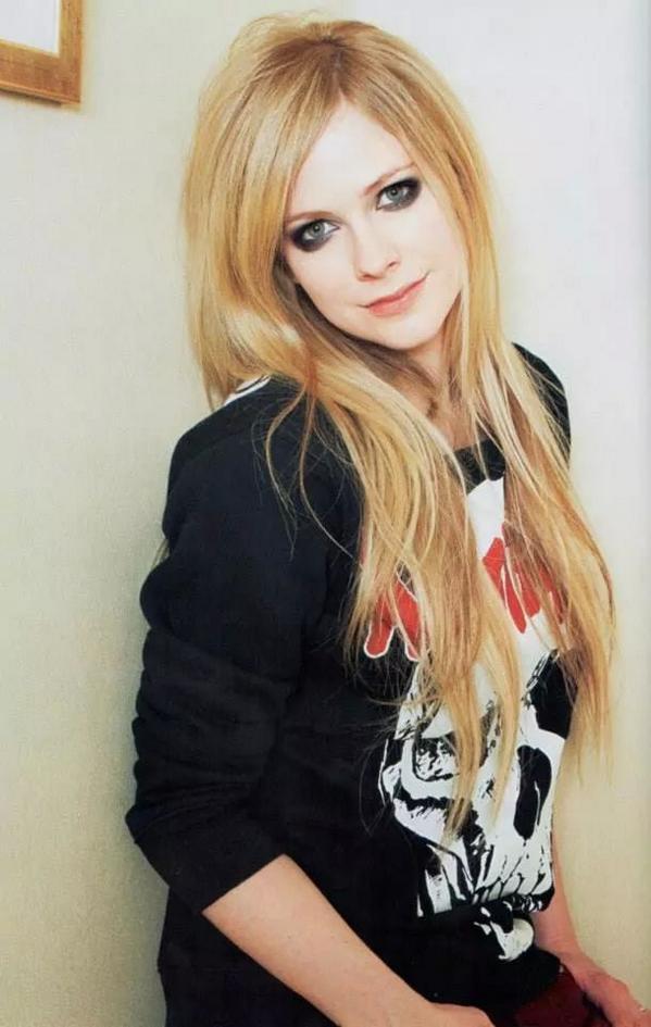 Avril Lavigne On Twitter Quot Photos Avril Lavigne Japan