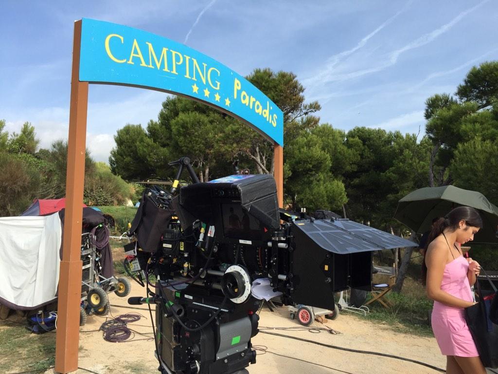 laurent ournac on twitter aujourd hui le camping paradis est sous le doux soleil automnal de. Black Bedroom Furniture Sets. Home Design Ideas