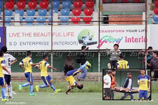"Pemain bola di India dilaporkan maut (broken spine) dek salah landing buat ""acrobatic goal celebration"". RIP. http://t.co/ubnlPG2Ots"