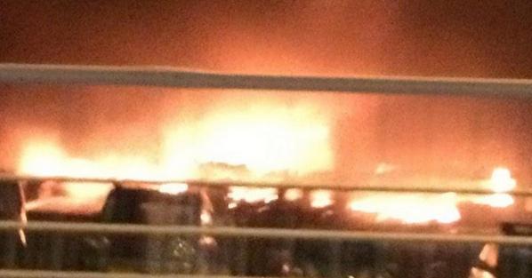 【広島で大規模火災】広島県安芸郡府中町茂陰2丁目付近で10月20日夜、大規模な火事が発生しました。  現場はソレイユや天神川駅などの近くにある、茂陰ポンプ場あたりとみられています。 pic.twitter.com/lNDQz82tzF