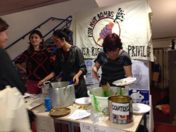 Food Not Bombs London in action @AFem2014! http://t.co/PhB2UBw2Mc