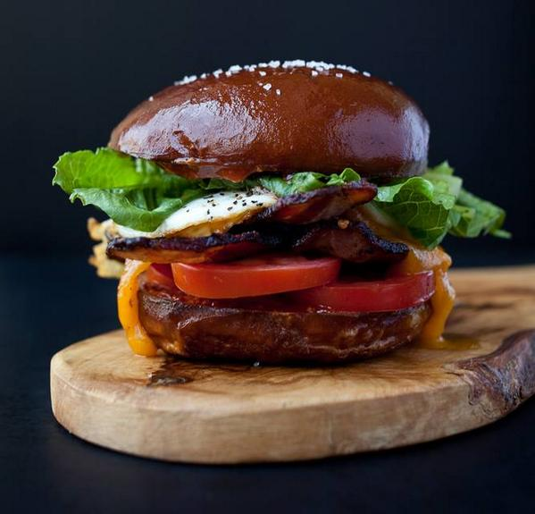 Craving #Bacon #lettuce #tomato 2DAY? @TheBLTtruck 11am-2pm @UniFoodTrucks 10600 Bluffside Dr http://t.co/dLfSP51z7N http://t.co/rIKe0HCREG