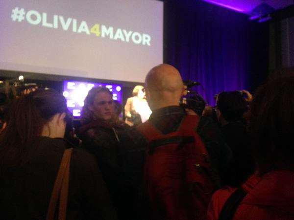 Olivia Chow concedes to John Tory.  Lots of class and lots of love #TOpoli http://t.co/aJoL9Q6ySp