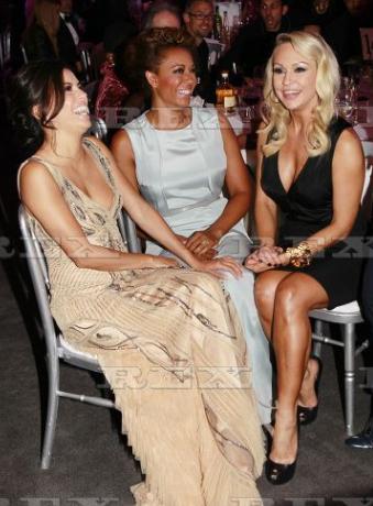 RT @RSisterhood: @KRihanoff @EvaLongoria & @OfficialMelB having a giggle at a gala event http://t.co/U8YPrxlgHk