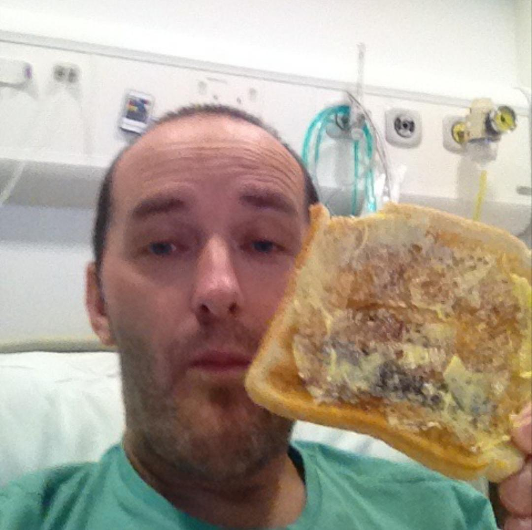 RT @LezaStarkey: @msm4rsh my hubby has incurable bone marrow cancer didn't eat 4 2wks then sent this RT with your #toasttoourphil picx http…