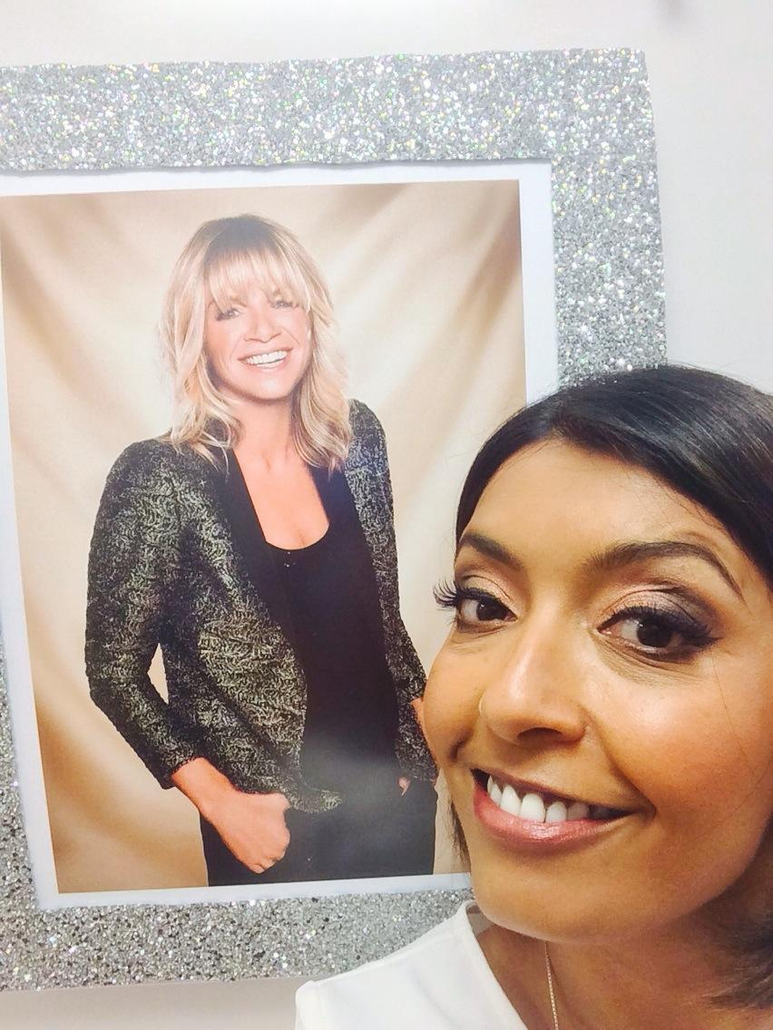 RT @sarker: Just about to step into ITT with the sparkling @ZoeTheBall x http://t.co/YlSqaXMDbD
