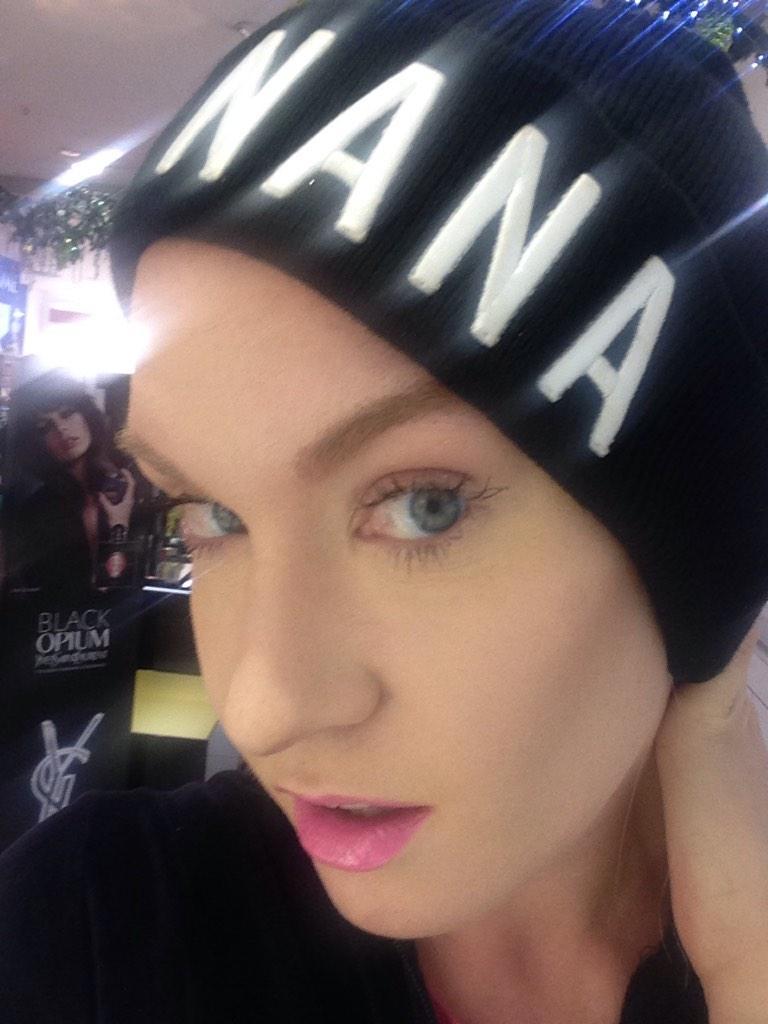 Flawless MAC makeup!!!! Just got my foundation sorted! Xoxoxoxoo @MACcosmetics xx http://t.co/I2ASzN3wgr