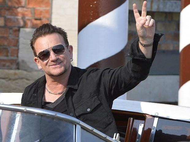 iTunes kills U2's Aussie launch | http://t.co/2YhofdLRSA- Hot Hollywood Celebrity Gossip http://t.co/ljIOhHH6st http://t.co/7KFcbzYiDZ