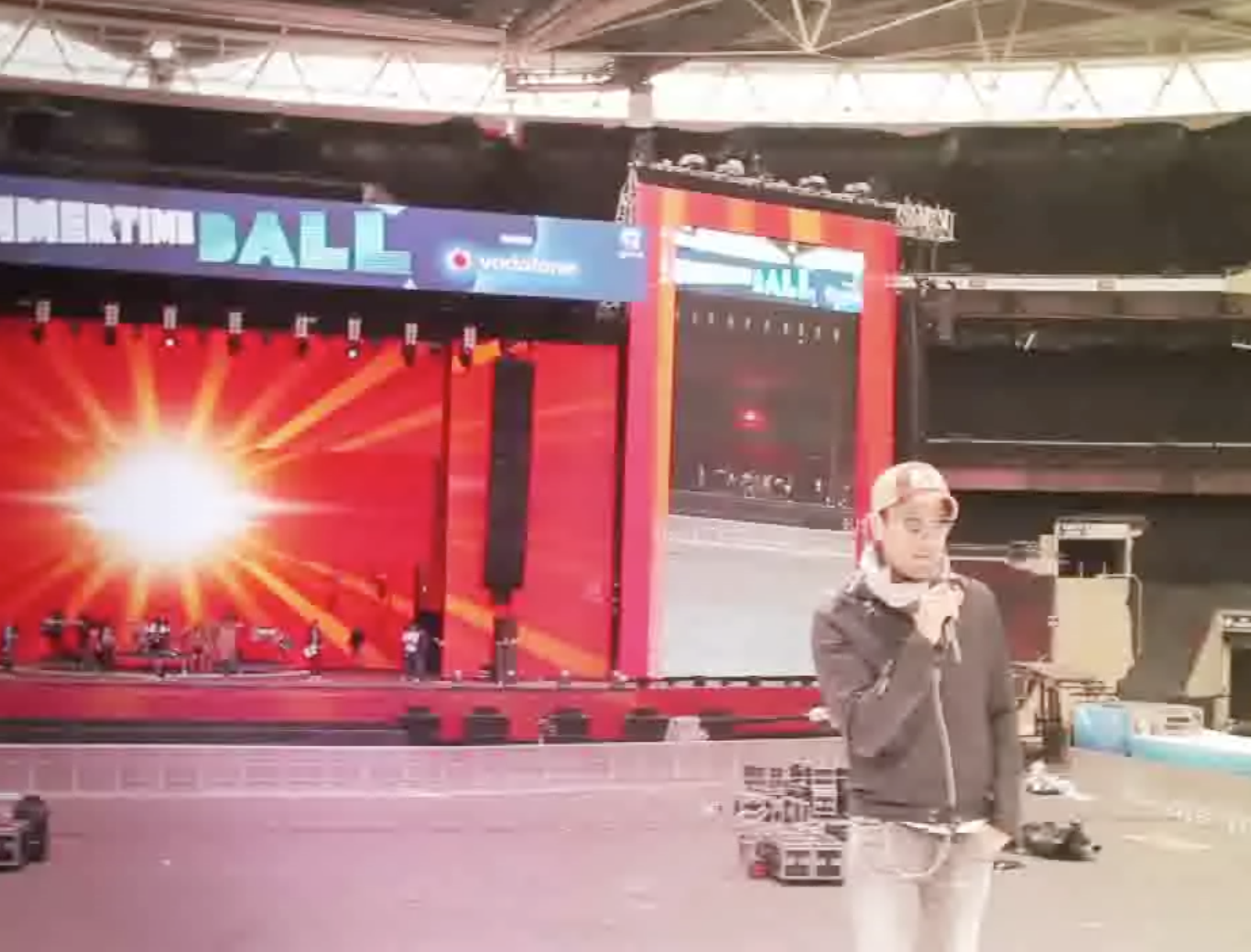 #Soundcheck at  Wembley Stadium for #capitalsummertimeball last #Summer http://t.co/c8xMDgh9WD http://t.co/Ibl4nBmjrb