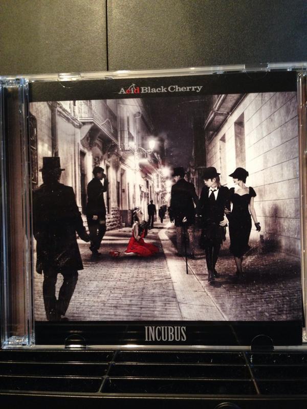Acid Black Cherryの新譜が届きました!M1「INCUBUS」でベースを弾いています(*^_^*)ヘヴィーでカッコいいッス!! http://t.co/C3zIGZeOKO