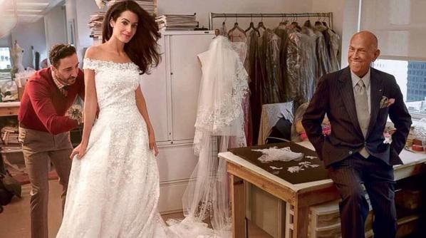 Sad to Hear MT @carloswplg #OscarDeLaRenta has died. Final photos he posed for wedding dress fitting w/ #Clooney wife http://t.co/hVxggJZ3ZS