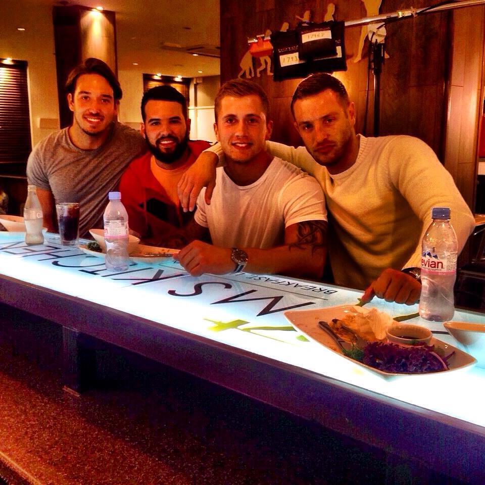 RT @gymskitchen: Good seeing The Lads In Last Night #Towie #Topboys #Filming @DannyO @JamesLockie86 @RickyRayment @elliottwright_ http://t.…
