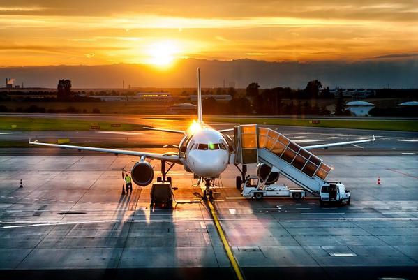 FOTO - Dove comprare i Biglietti Aerei Low Cost per Viaggi e Vacanze