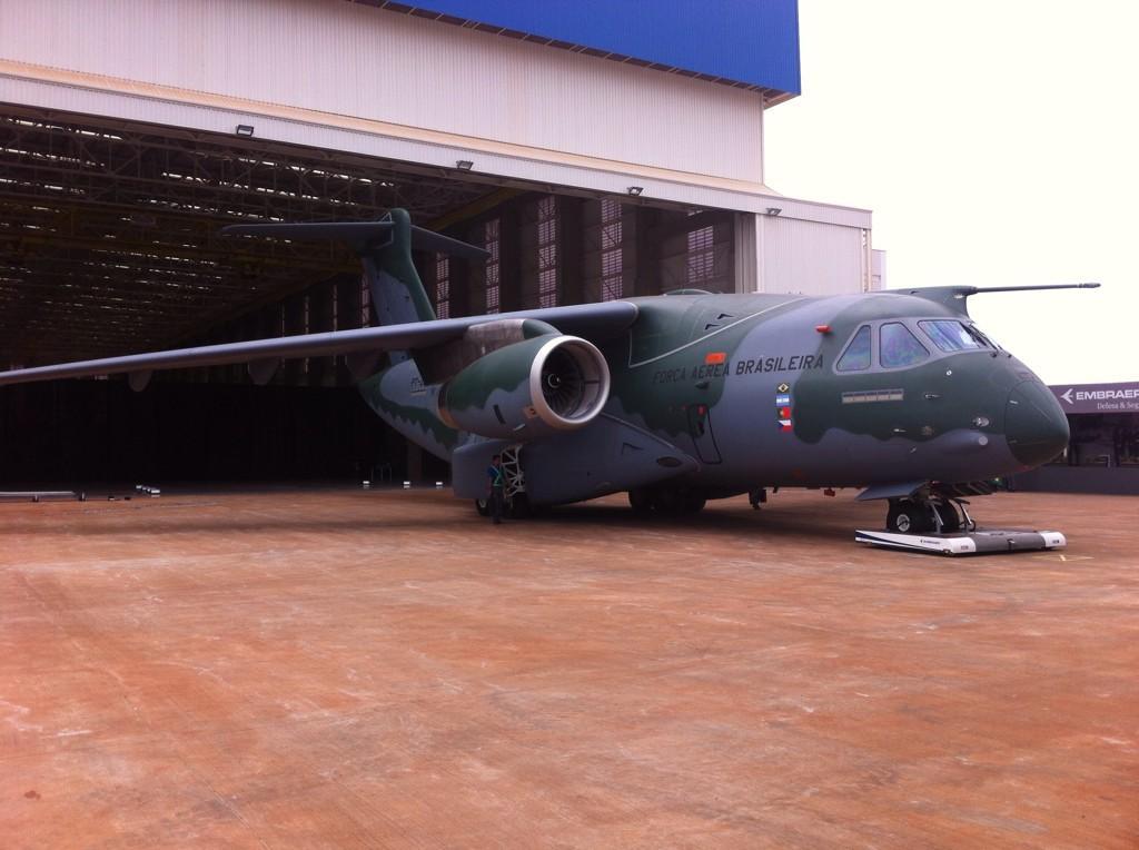 Embraer C-390. KC-390 - Page 5 B0efEotIMAAd7NV