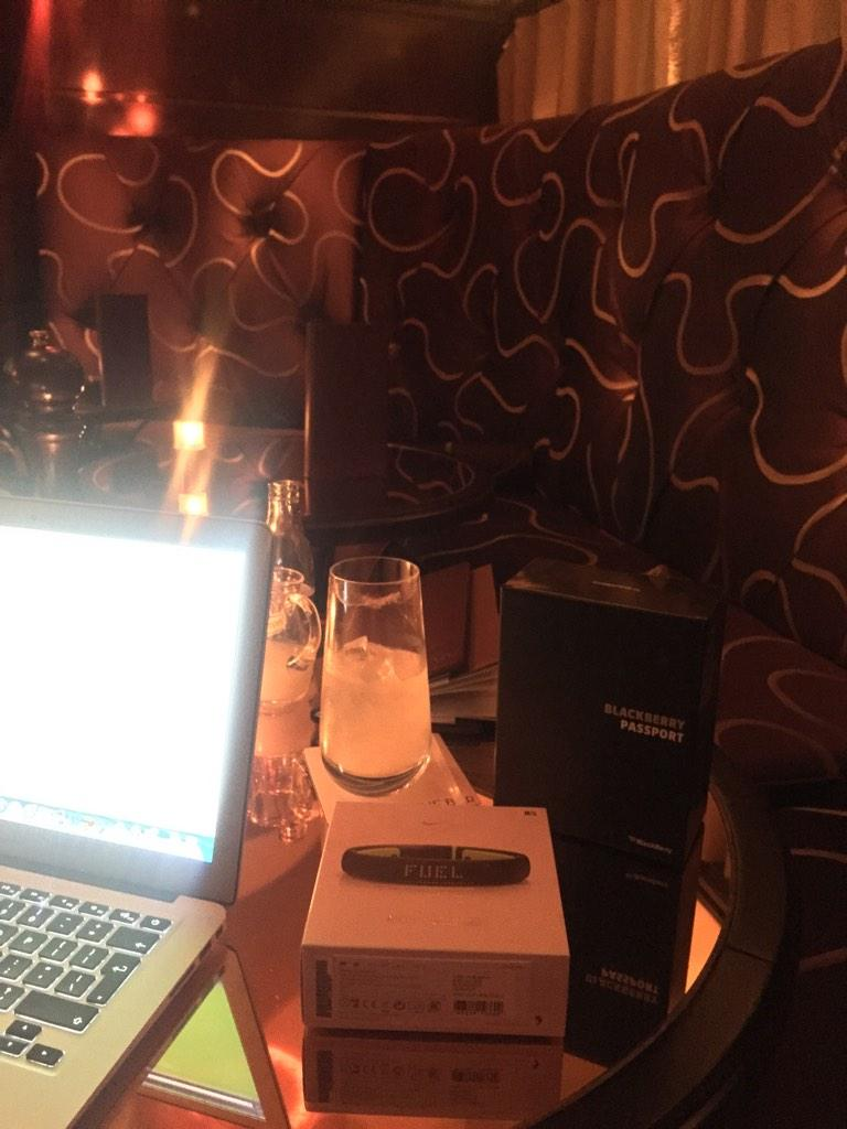 Still jet lagged so time to work. Nice place for a Tue evening http://t.co/OWrpsZuplE