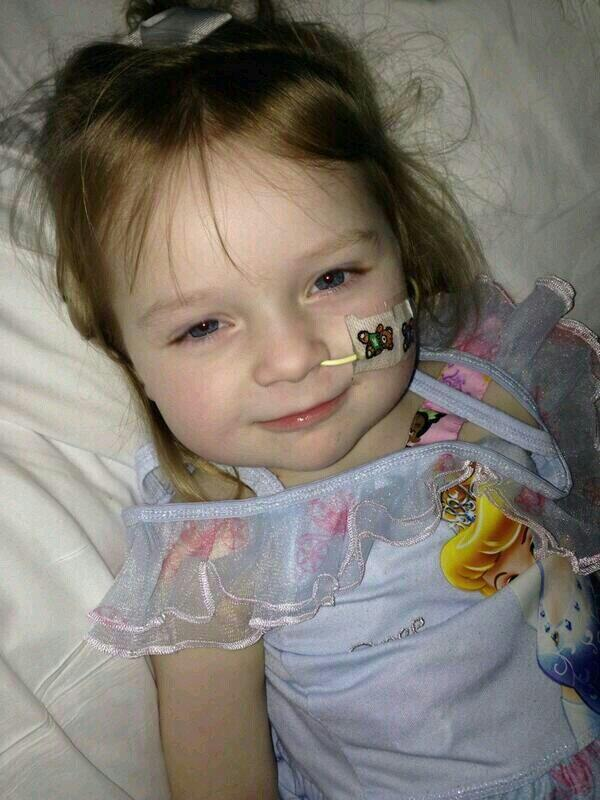 RT @EmmaSwindell1: @KRihanoff Pls RT & follow 3yr old Isla @IslasSmiles she is unable to eat and drink due to a rare bowel condition xx htt…