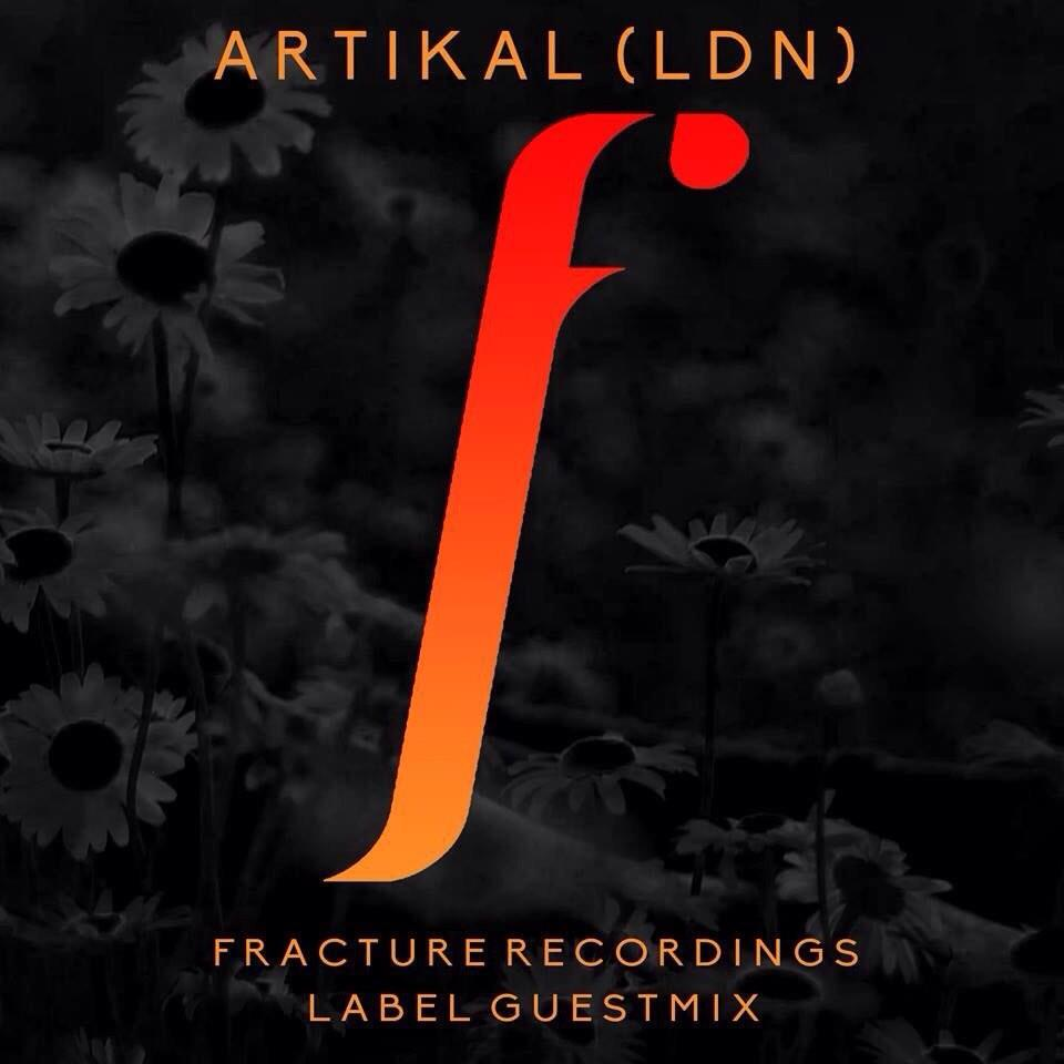 RT @Feeling_Artikal: I'm live now on http://t.co/Tt1uDo8ICb till 12am with @getboski @FractureREC label showcase guest mix http://t.co/D3Wi…