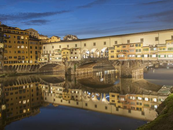 Top 25 Cities in the World according to @CNTraveler Readers' Choice Awards: http://t.co/0WNMMEpBdL Florence is #1! http://t.co/0DdfOeJP42