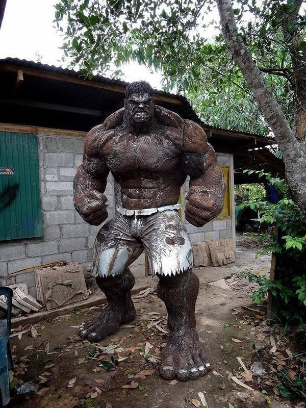 """@TheLadBible: An Incredible Hulk made completely out of scrap metal. http://t.co/gQJC99C9cy"""