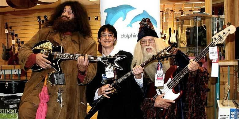 SO WHAT!!! Harry Potter Goes Hardcore Punk In This Expletive-Ridden Mashup http://t.co/3Tf2cMsorJ http://t.co/ZLBEJd0Ans