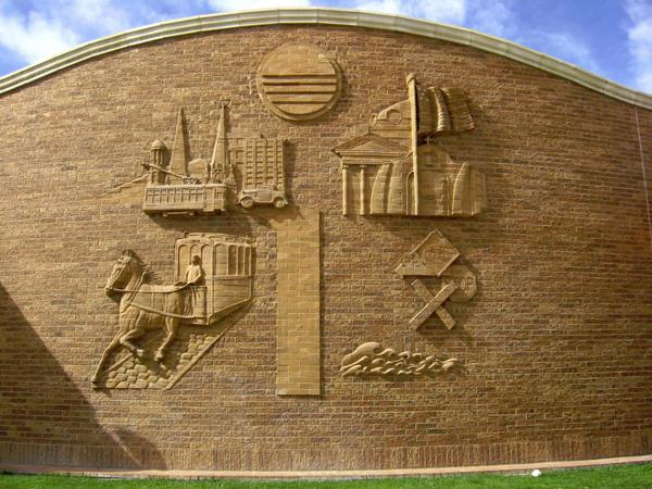 Summit Brick Company On Twitter Proud To Partner With An Amazing Sculpture Artist Ken Williams This Building In Pueblo Co Gobrick Art