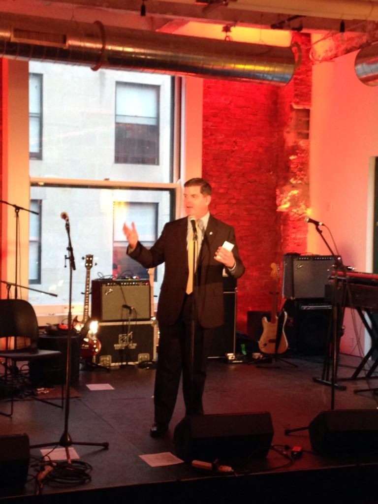 Mayor of Boston @marty_walsh kicks off the Burnham Bash @HavasMediaUSA's Boston Village #havasvillage #burnhambash http://t.co/gARuuisBmO