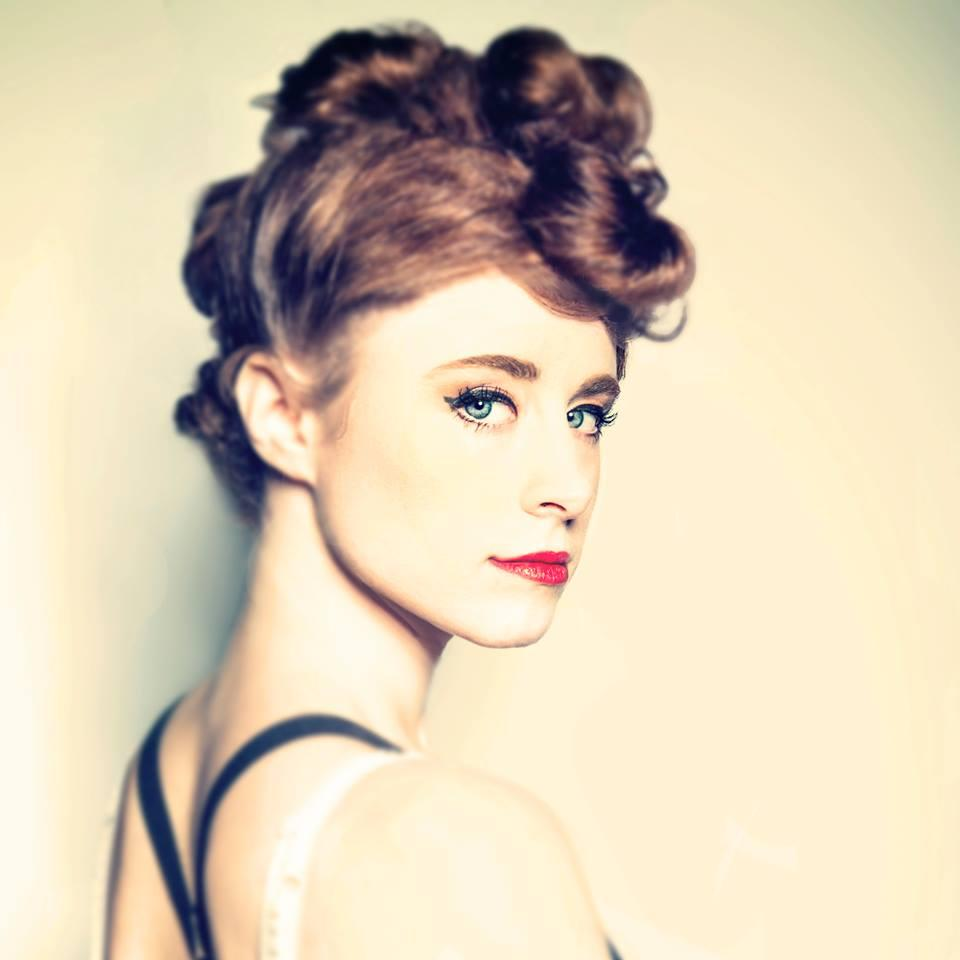 ALL the juicy deets on @Kiesza's on-set drama, her perfect 'do, & more! Exclusive!!! --> http://t.co/mT0r05IJg9 http://t.co/IIYac4YyQa