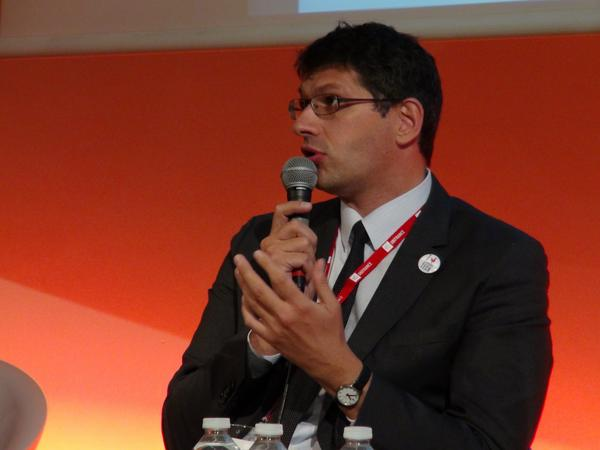 INTERNATIONAL : PROUD TO BE FRENCH TECH !  David MONTEAU, Directeur présente le programme @LaFrenchTech #FrenchTechRI http://t.co/6u2a90I8Lk