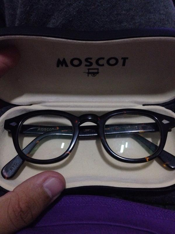>MOSC0T LEMTOSHMOSCOT HARDCASE - MOSCOT PAPER BOX - MOSCOT INFO SHEET - MOSCOT CLEANING CLOTH - MOSCOT LABEL HARGA PROMO: RM99 TO ORDER WHATSAPP US AT: + SURE MURAH #cerminmata #casual #freeshipping #sayajualmurah #bestbuy #ootd #lemtosh - Buy MOSCOT LEMTOSH.