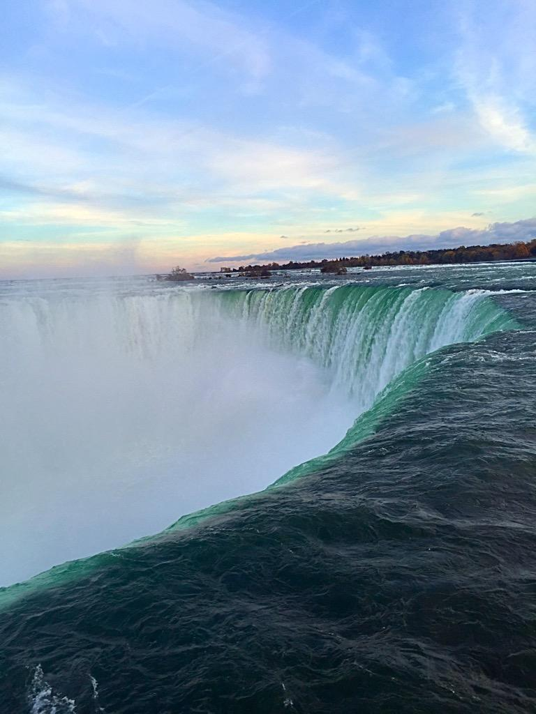 Love this majestic energy. Niagra has been beautiful. Bye bye. http://t.co/U0vyXNRoYP