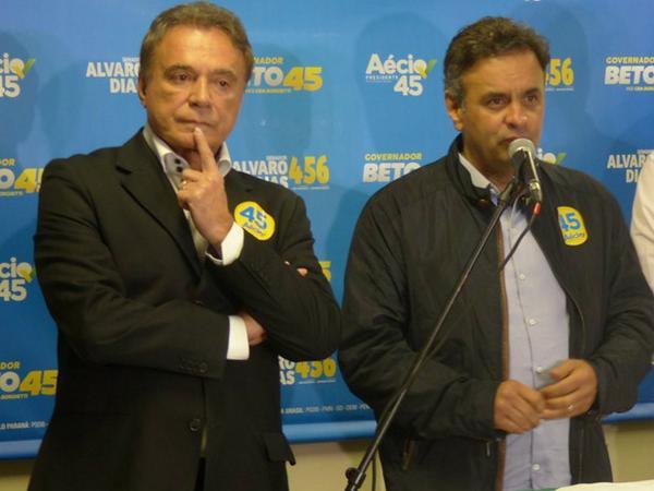 Auxiliar de doleiro aponta Álvaro Dias como beneficiário de propina do esquema Petrobras http://t.co/GZ1MTKhHxI http://t.co/VfOSHZb7sd