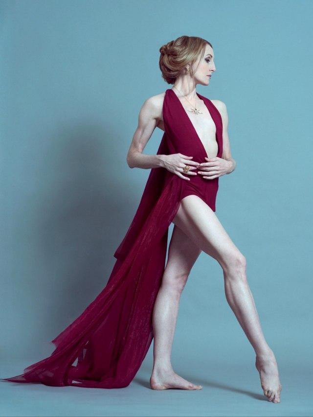 RT @VanityFair: Mikhail Baryshnikov praises ballerina Wendy Whelan's grace http://t.co/7x2lfvLRKb http://t.co/fCXgVBQhXC