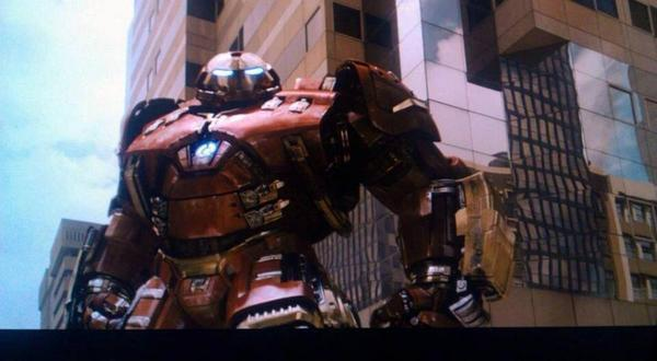 Leaked images from what is probably the Avengers 2 teaser but here is the Hulkbuster and Ultron. Very nice very nice. http://t.co/Q0tfU8ZcSE