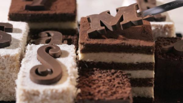 Tyramisu, la tipografía dulce de Tyrsa y Benoit Castel, #tipografia  http://t.co/oiHpvCJQS8 http://t.co/C3F8ejtQod